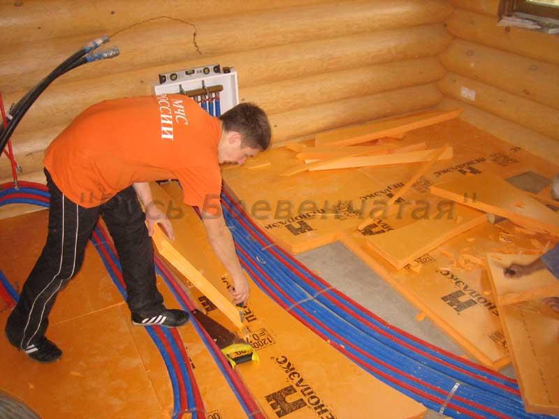 Монтаж водяного теплого пола в деревянном доме.