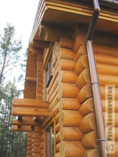 водосток в деревянном доме