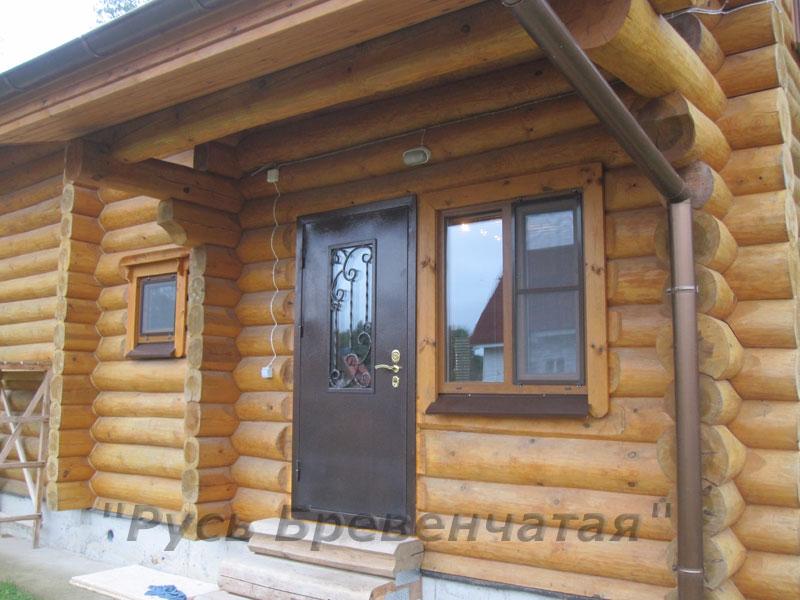 «зимняя» входная дверь с расстекловкой